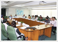 Roundtable on 'Improving Informal Public Transport in Indian cities'