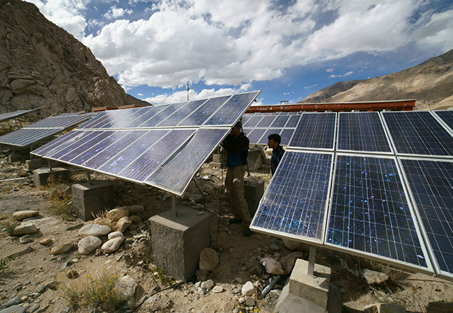 De-risking solar investments in India